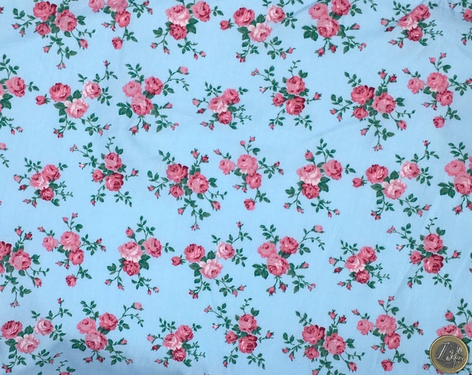 High quality cotton poplin, English vintage roses on blue