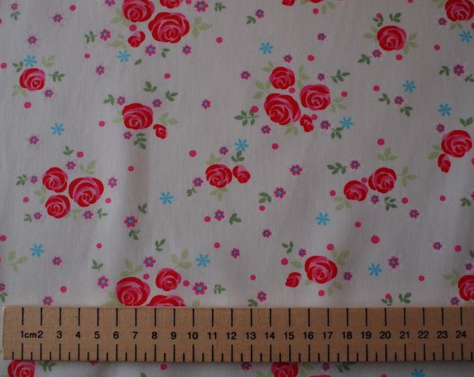 High quality cotton poplin, roses on off white