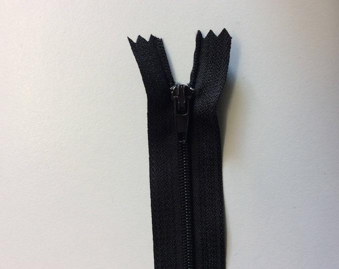"15cm (6"") nylon coil zippers, black"