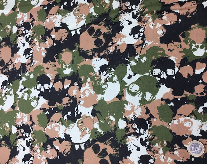 Cotton poplin with skulls on army green