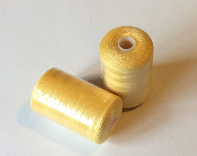 Sewing thread, 1000yds or 915m, pale pink