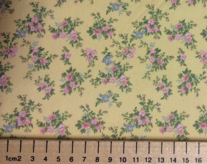 High quality cotton poplin, roses on yellow
