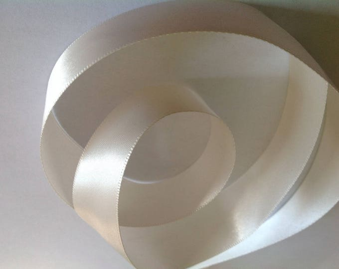 Double sided sateen ribbon, off white no48