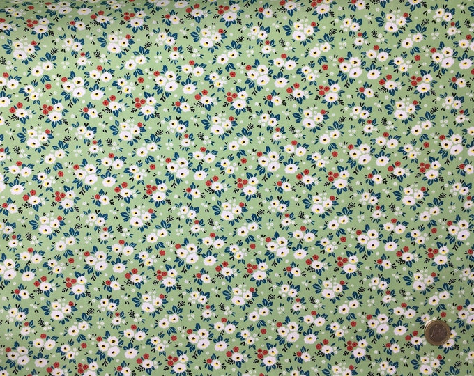 Cotton poplin with Fifties floral on vert