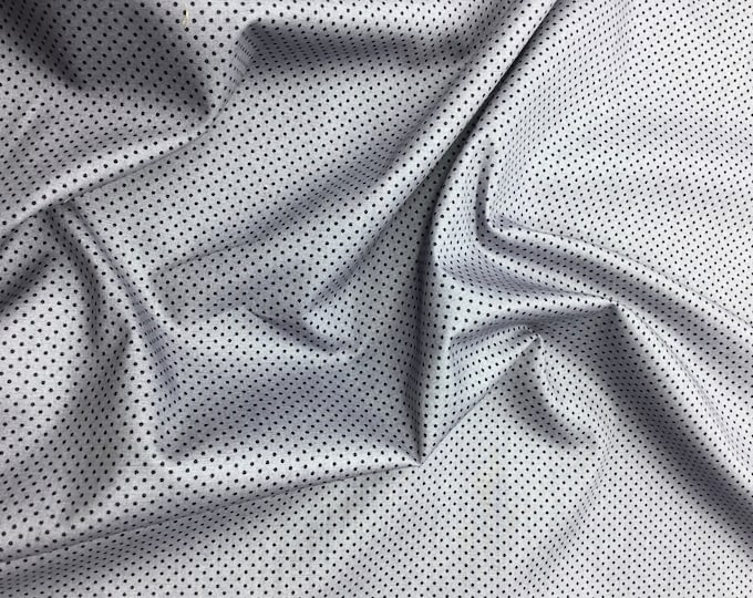 High quality cotton poplin. Black polka dots on grey nr18
