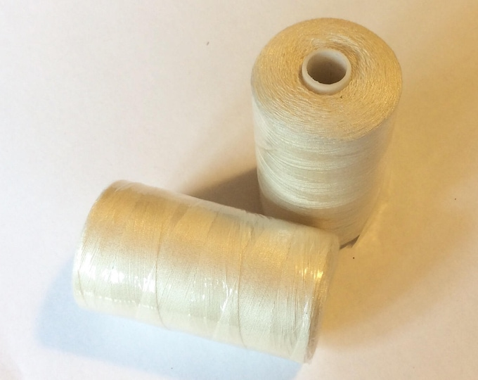 Sewing thread, 1000yds or 915m, ivory