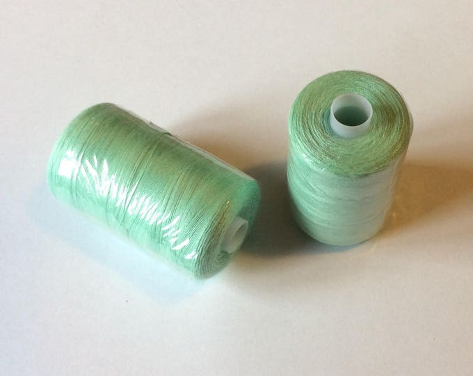 Sewing thread, 1000yds or 915m, soft green