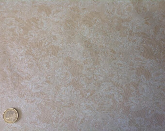 High quality cotton poplin, lace Print on ivory