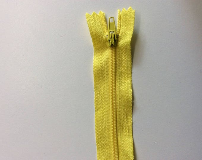 "Nylon coil zipper, 15cm (6""), yellow"