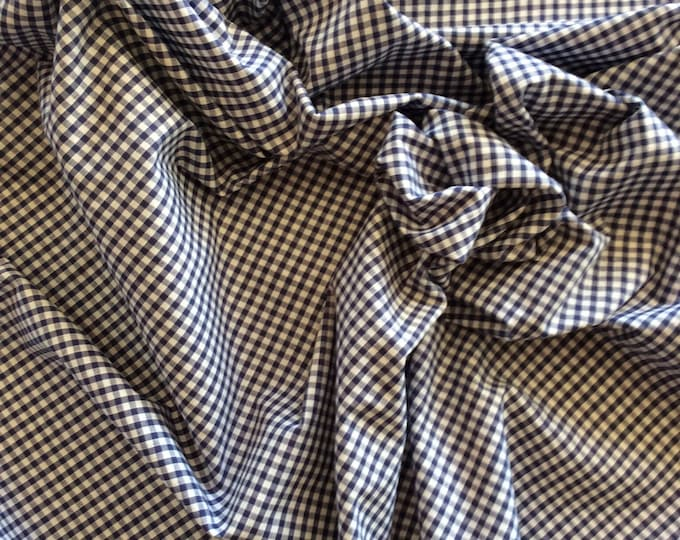 High quality Gingham polycotton poplin. Navy no8