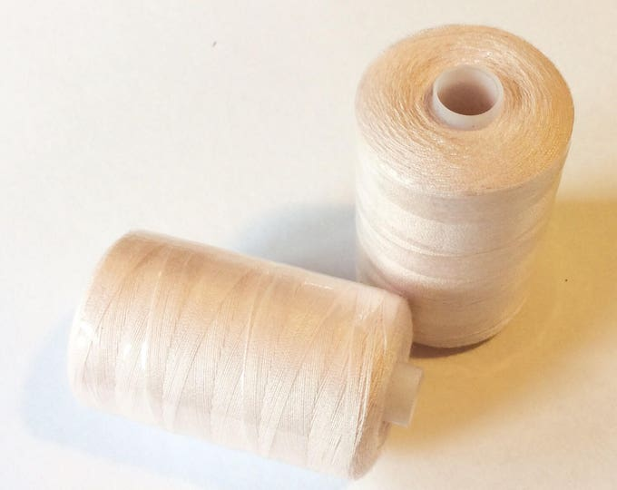 Sewing thread, 1000yds or 915m, very pale pink