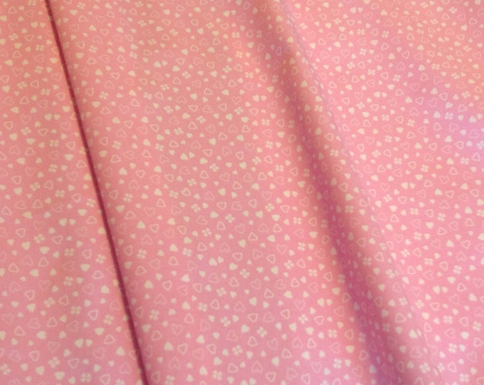 High quality cotton print, hearts and shamlock on pink
