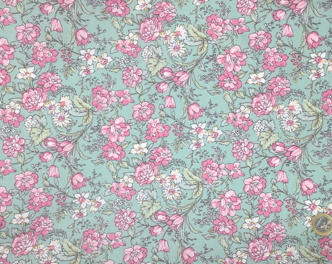 High quality cotton poplin, flowers on green background