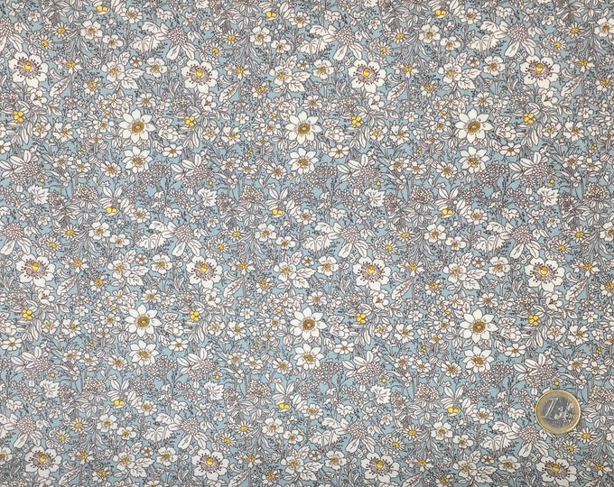 High quality cotton poplin prête in Japan, flowers on greyish blue