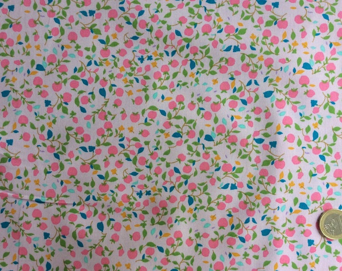 Japanese printed cotton poplin, sold per 25cm, floral print