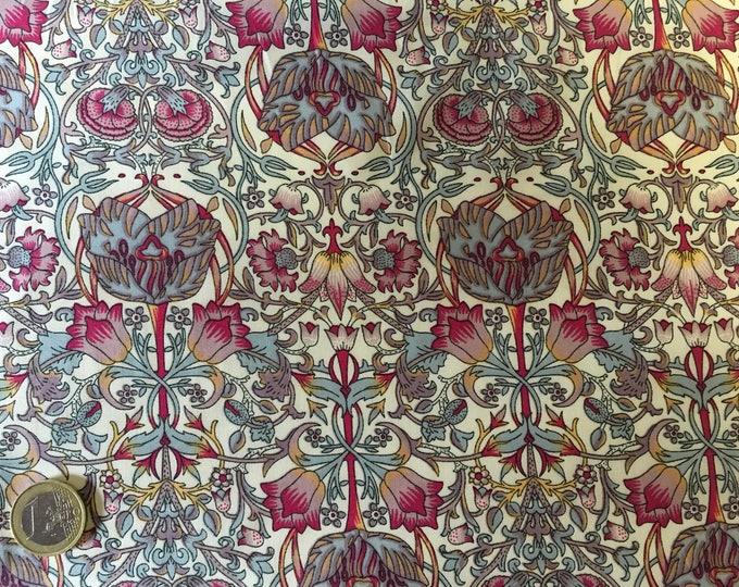 English Pima lawn cotton fabric, priced per 25cm, jugend style. Istanbul