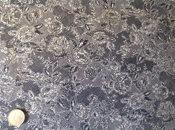 High quality cotton poplin, lace Print on black