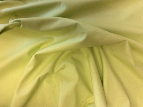 High quality cotton poplin dyed in Japan. Spring green nr37