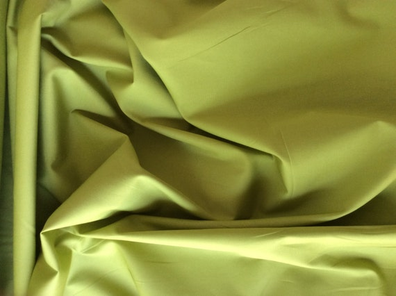 High quality cotton poplin dyed in Japan. Moss green no26
