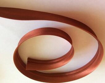 25mm silky sateen bias binding, brown rust no86
