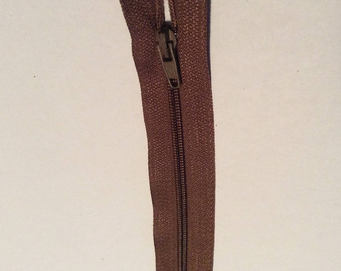 """Nylon coil zippers, 20cm (8""""), middle brown"""