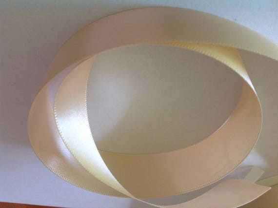 Double sided sateen ribbon, champagne no3