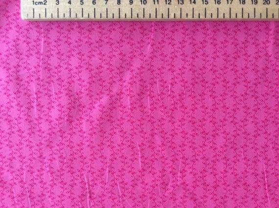 High quality cotton poplin, pink leaf print