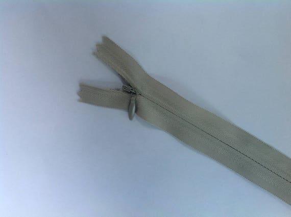 fermeture eclair invisible gris clair 56cm pour jupes etsy. Black Bedroom Furniture Sets. Home Design Ideas