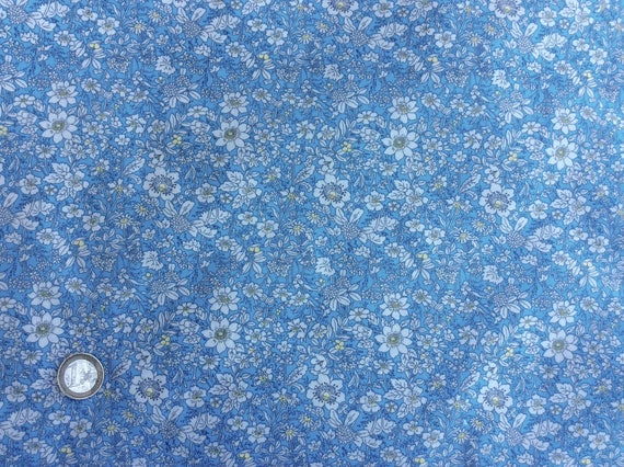 High quality cotton poplin printed in Japan, floral print on blue