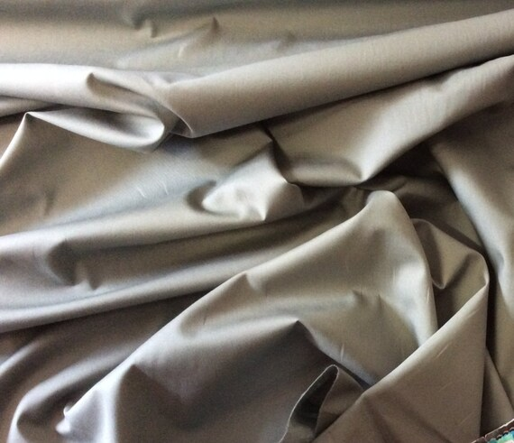 High quality cotton poplin dyed in Japan. Green-grey no47