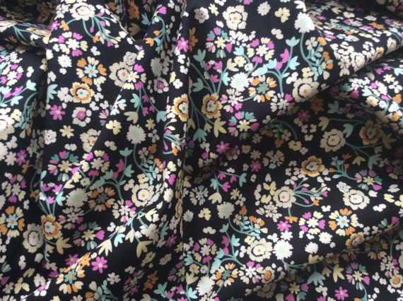 High quality cotton poplin dyed in Japan with Floral print, black