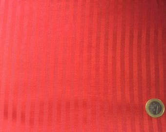 Gloss/matte woven red cotton canvas, perfect for the decoration and upholstery