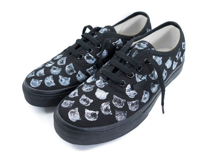 10fb7472ee Distressed Cat Pattern Vans or No Brand Black Cats Street