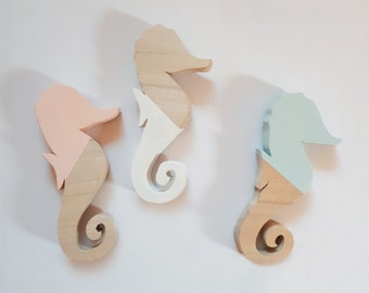 Wooden seahorse, an ideal birth gift!
