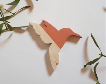 Small wooden Hummingbird to hang to decorate your walls. A flight of hummingbirds!
