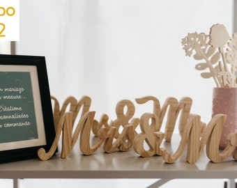 Mrs. and Mr. for your wedding, wooden table decoration. Made with a saw