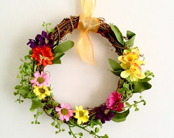 Spring Summer Floral Wreath / 8 x 8 inch Rattan Wreath / Faux Flower Wreath / Housewarming Gift / Easter Gift