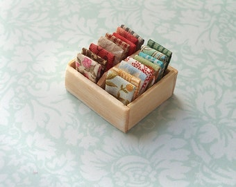 1:12 Scale Box Fat Quarters for Miniature Dollhouse Displays Diorama Haberdashery Shops   Natural