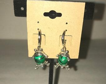 Handmade dangle earrings Green Frogs Froggies