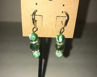Handmade dangle earrings Green and Silver