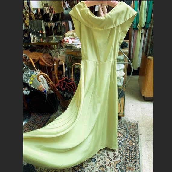 Lovely chartreuse gown of the late 1940s in taffet