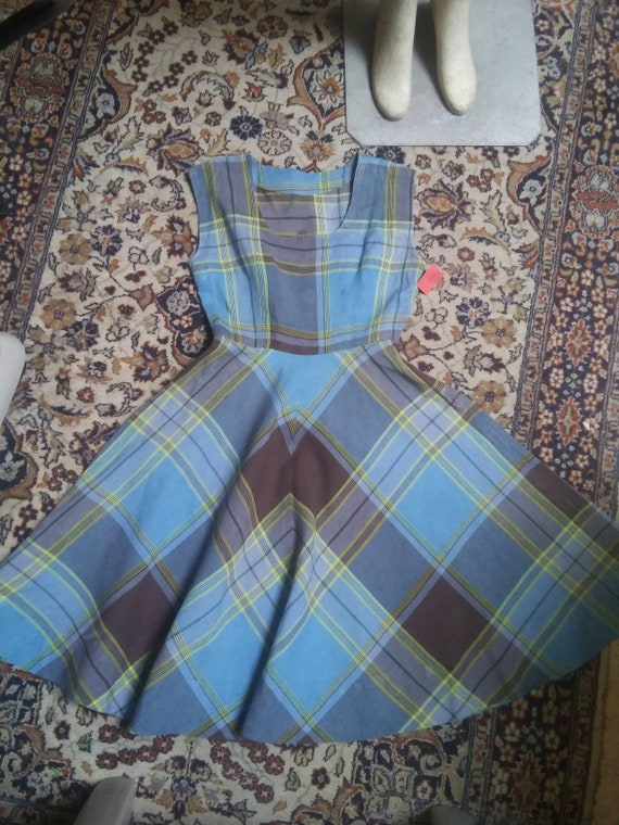 Charming Plaid Colorway! A Pinafore of the 1940s