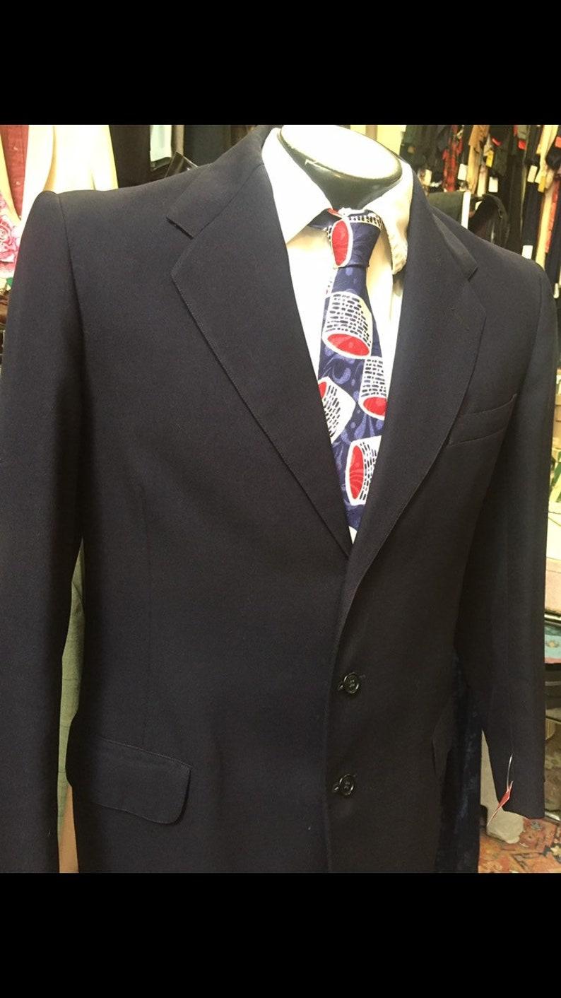 medium, tall Classy 1950s 3 button suit in dark navy