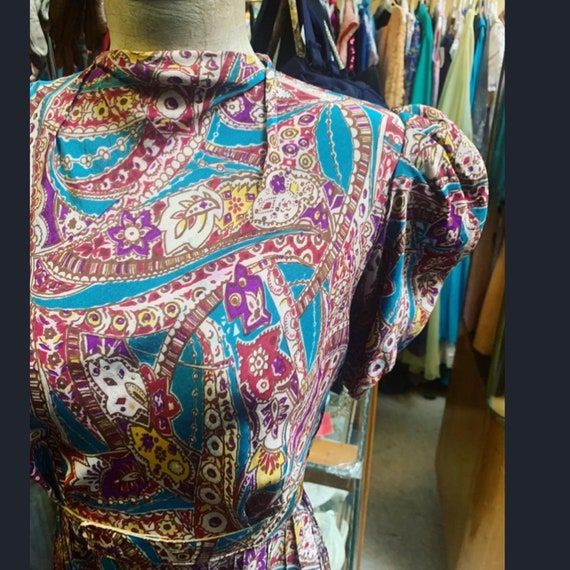Most adorable silk puff sleeve colorful print dre… - image 2
