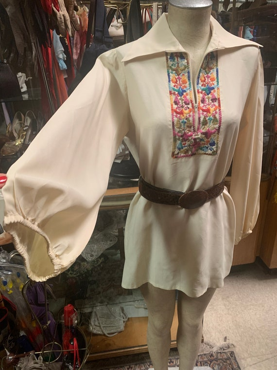 Glorious 1970s peasant blouse with balloon sleeves