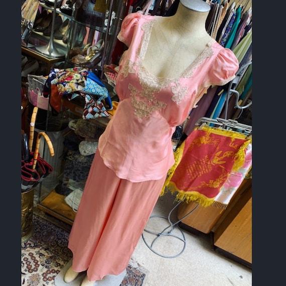 Luxurious 1930s silk satin pajama set in peach! L… - image 1