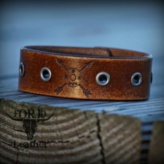 Blackbird Anthem leather cuff
