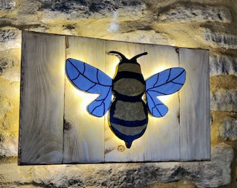 Rustic Wooden Bee Wall Light