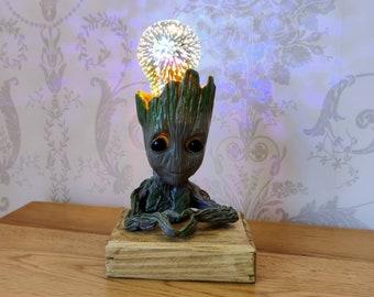Peaceful Groot Lamp