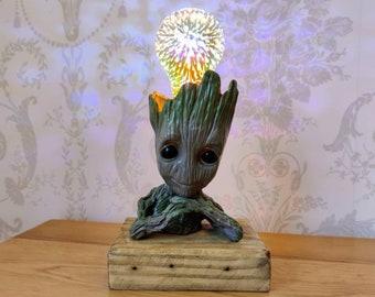Restful Groot Lamp